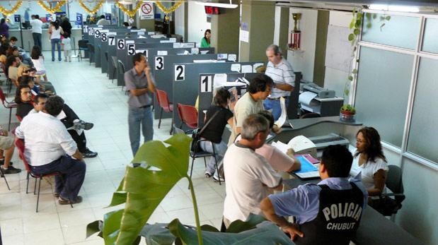 Los jerárquicos confían en llegar a 2015 sin contratados en el municipio
